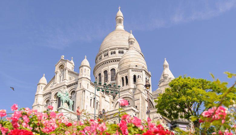 Descubra o belo bairro de Montmartre e admire a Basílica do Sacré Coeur