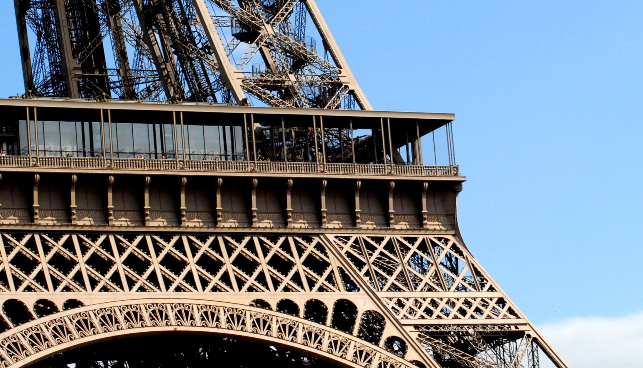 Eiffel Tower Zoom