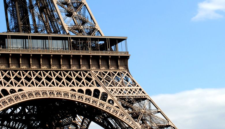 Discover the Eiffel Tower architecture