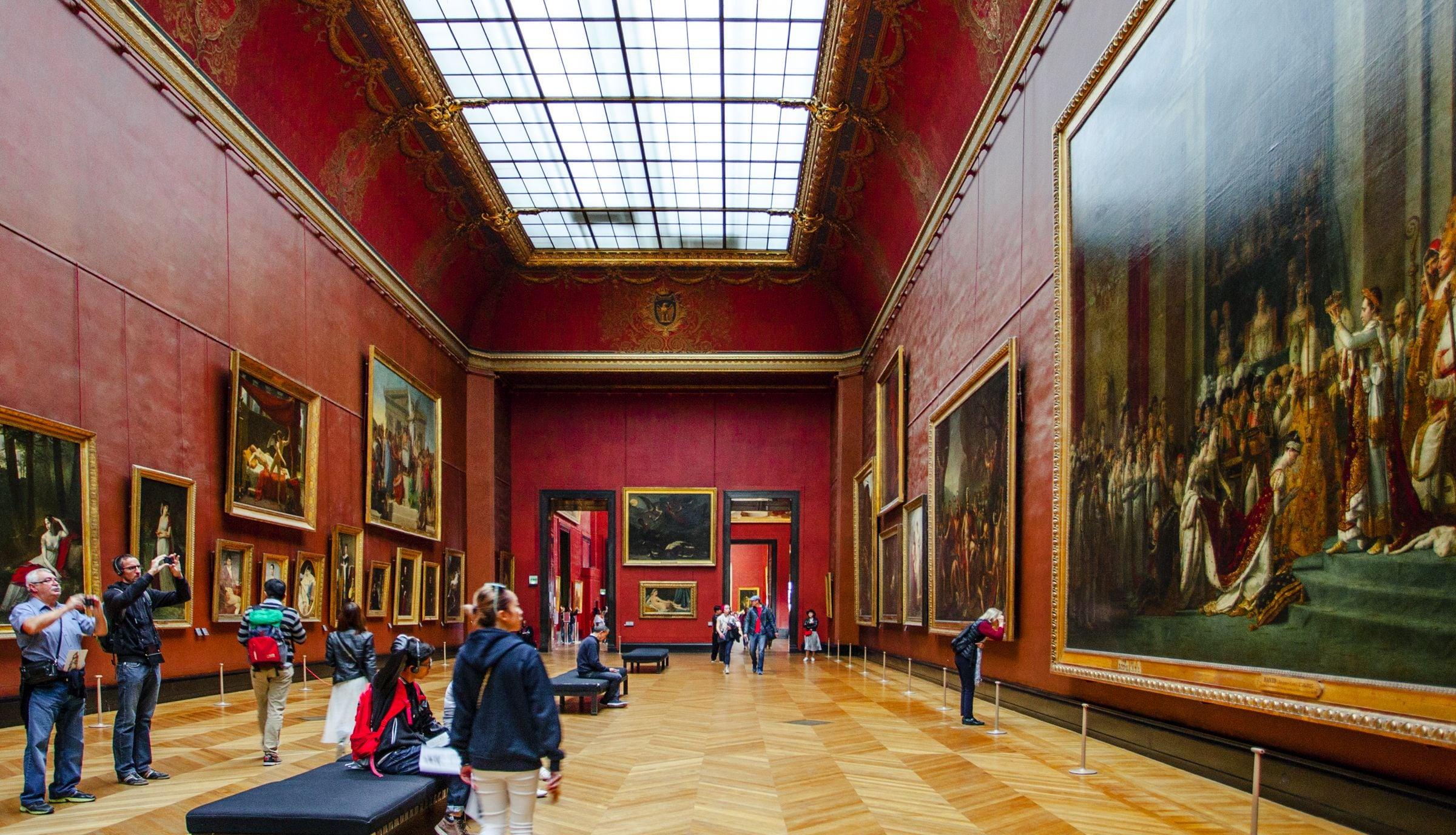 Una Galería dentro del Museo del Louvre