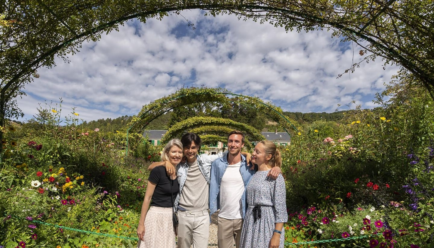 Take picture on Claude Monet gardens