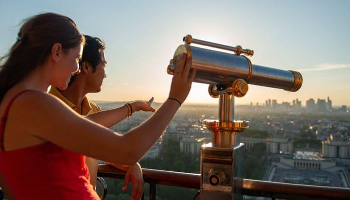 Vista magnífica de Paris a partir da Torre Eiffel
