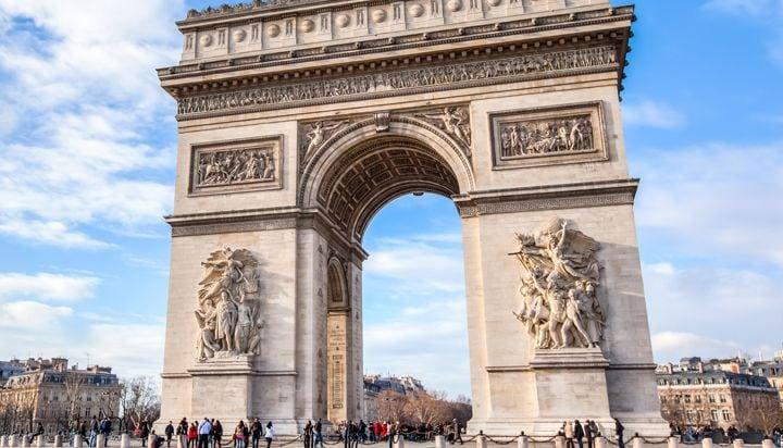 Visite el Arco del Triunfo en los Campos de Elsyées