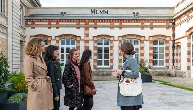 Guided visit of Mumm House
