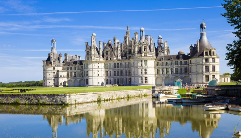 Loire Valley Chateaux Day Trip on Leonardo da Vinci from Paris in a Small Group, Lunch included