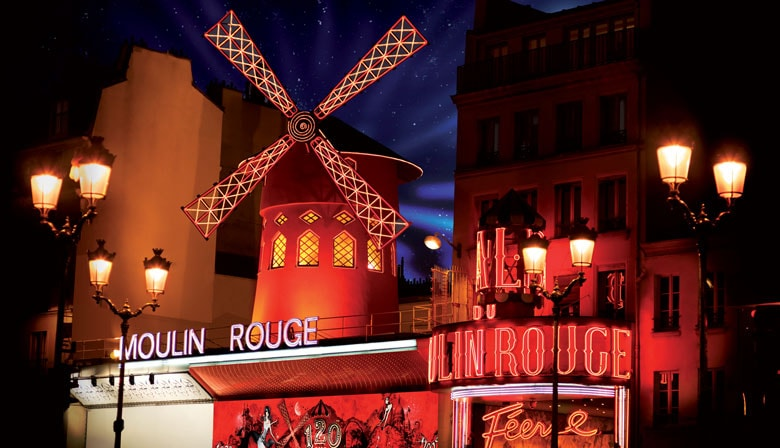 Dinner in Montmartre and Moulin Rouge performance with champagne