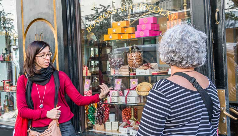 Saint Germain des Prés Food Tour with sweet tastings