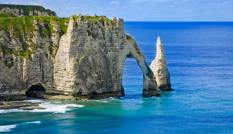 Guided Tour to Etretat and Le Havre, Cooking Class and Musée Malraux from Paris in a Small Group