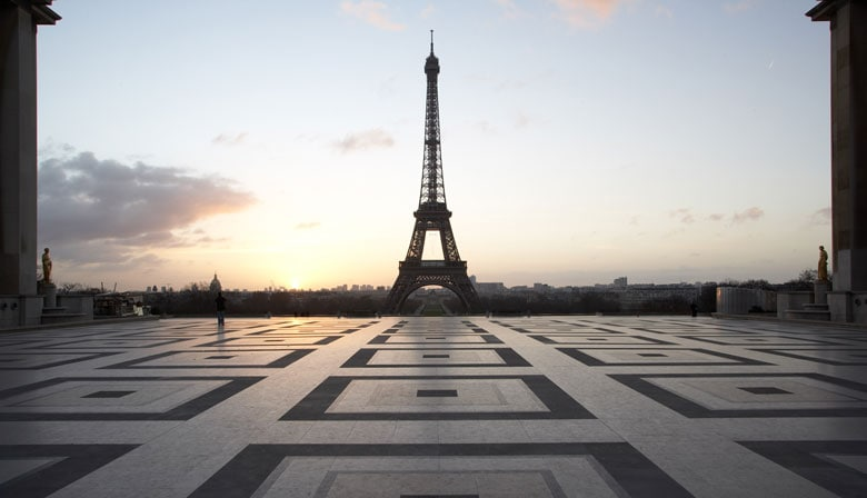 Eiffel Tower Dinner with Priority Access and Seine River Cruise