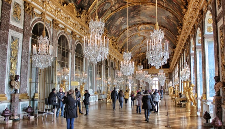 Christmas Tour - Versailles Palace Small Group Tour