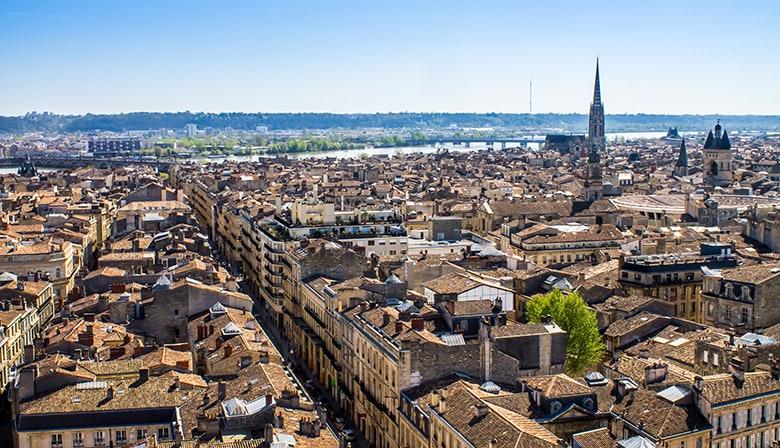 Bordeaux guided city tour & wine tasting from Bordeaux + Entrance to the Cité du Vin