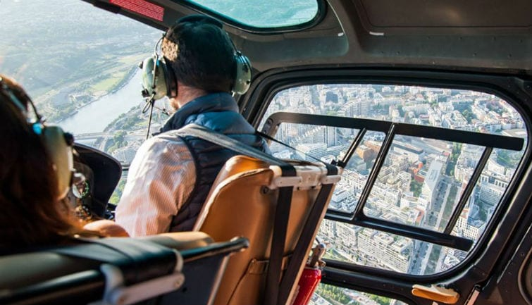 Helicopter flight from Paris to Versailles