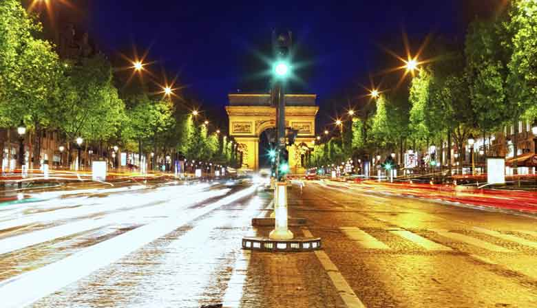 Paris by Night : Cruise, City Tour, Dinner close to the Champs Elysées