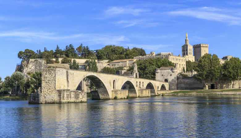 Guided Visit of Provence from Paris - by TGV