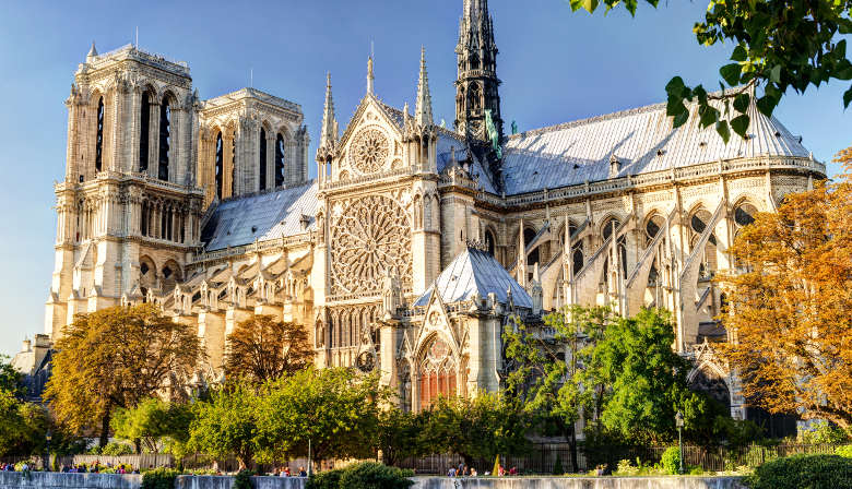 Priority access to visit the Notre Dame Cathedral with an Audio guide