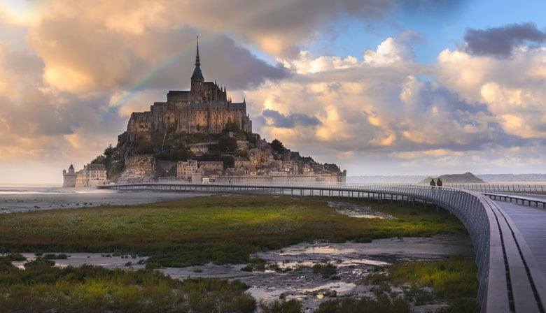 4 Day Guided Trip to Normandy, Mont Saint-Michel and Loire Valley Chateaux from Paris