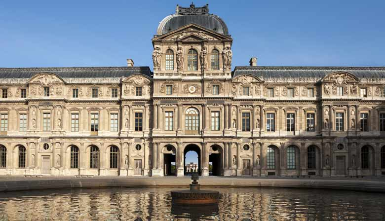 City Tour, Skip-the-line Guided Visit of the Louvre & Lunch Cruise in a Small Group